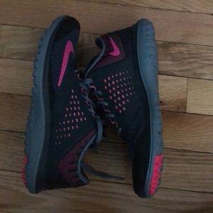 Nike Shoes - Nikes